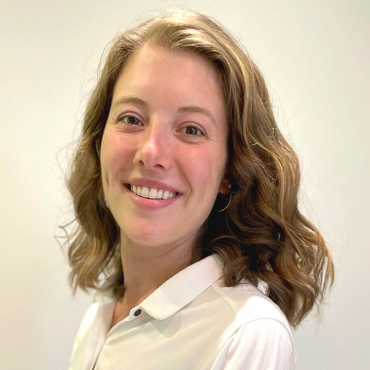 Dre Justine Blackburn, Chiropraticienne